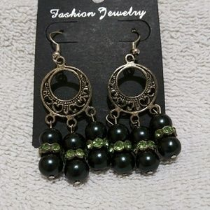 Dangle earrings tibetian silver black and green